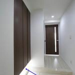 狭い玄関の収納力アップと広く見せるリフォームの4つのコツ