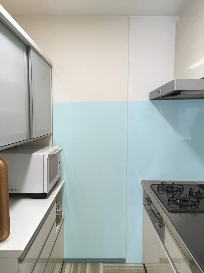 コンロ周辺のキッチンパネルの取付範囲