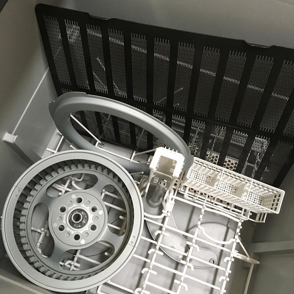 換気扇のフィルターとファンを食洗機で洗う