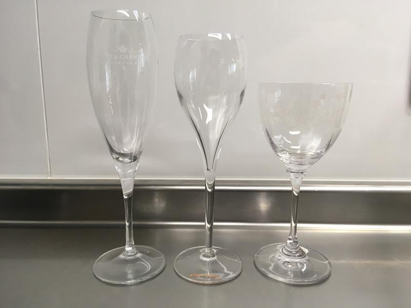 我が家の華奢なシャンパングラスとワイングラス